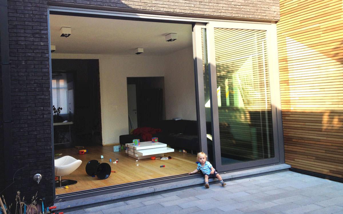 fabrication et pose de ch ssis coulissants en aluminium. Black Bedroom Furniture Sets. Home Design Ideas